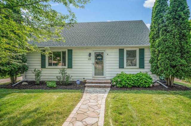 429 S Lake Street, Neenah, WI 54956 (#50244960) :: Dallaire Realty