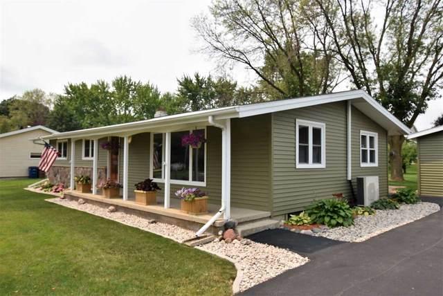 105 Kirkwood Drive, Oshkosh, WI 54904 (#50244972) :: Carolyn Stark Real Estate Team