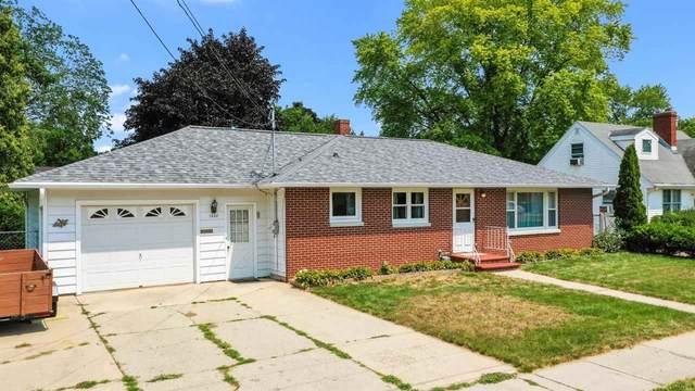 1092 Roscoe Street, Green Bay, WI 54304 (#50245001) :: Carolyn Stark Real Estate Team