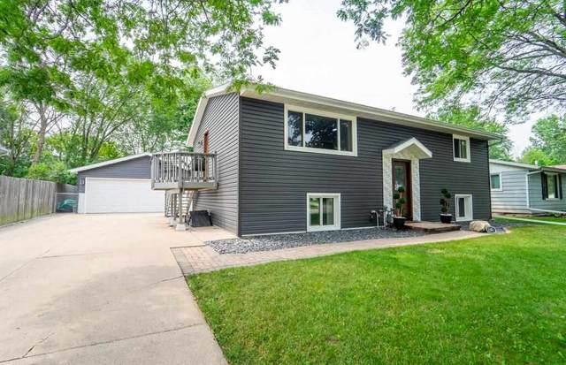 2341 Brantwood Drive, Neenah, WI 54956 (#50245016) :: Carolyn Stark Real Estate Team