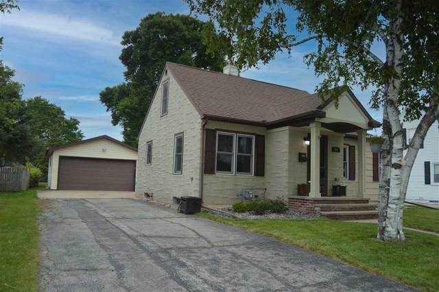 314 S Lincoln Street, Kimberly, WI 54136 (#50245022) :: Carolyn Stark Real Estate Team