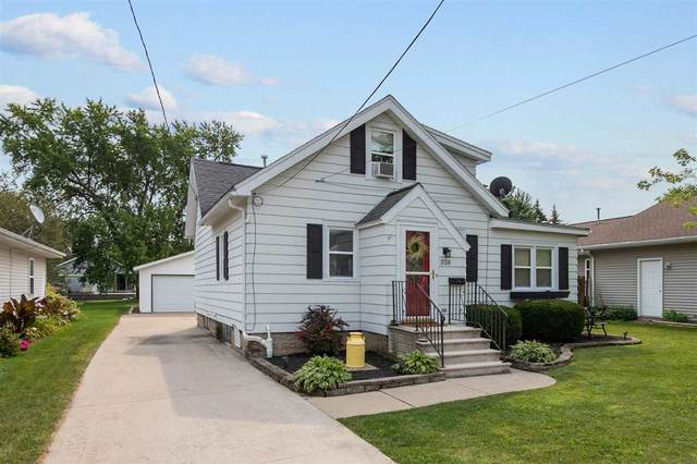 328 Guenther Street, Oshkosh, WI 54902 (#50245027) :: Todd Wiese Homeselling System, Inc.