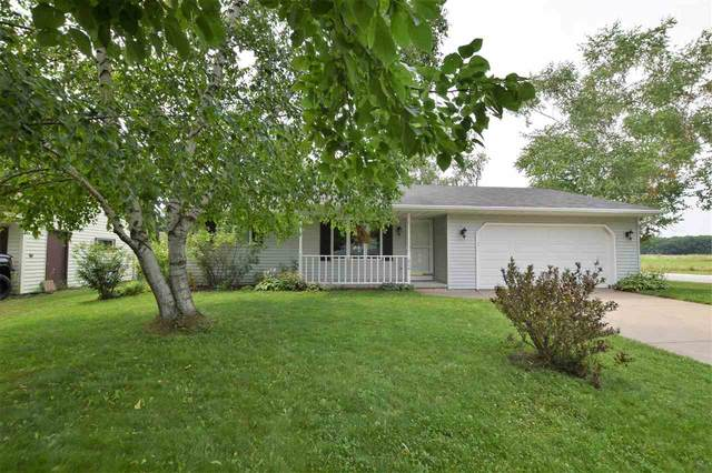 404 Easy Street, Green Bay, WI 54311 (#50245030) :: Carolyn Stark Real Estate Team