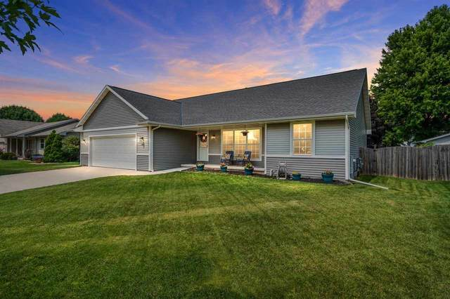 3017 Windland Drive, Green Bay, WI 54311 (#50245063) :: Todd Wiese Homeselling System, Inc.