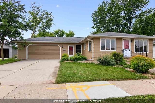 352 N Pine Street, Kimberly, WI 54136 (#50245081) :: Ben Bartolazzi Real Estate Inc