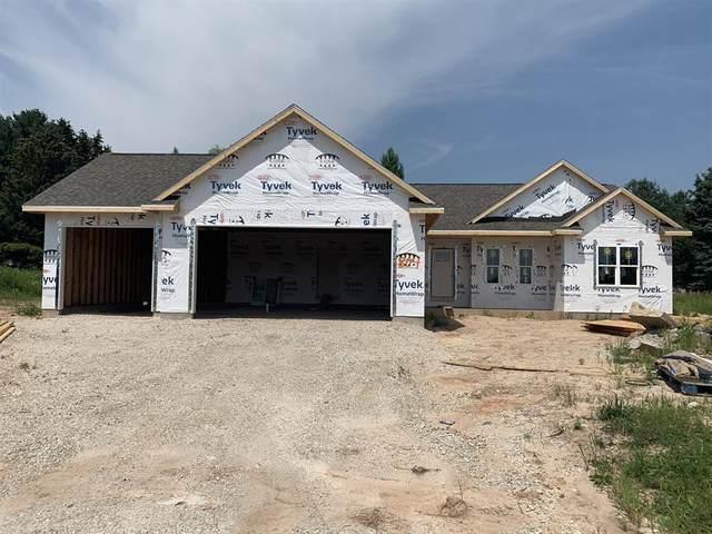 804 Moon Beam Lane, Francis Creek, WI 54214 (#50245093) :: Symes Realty, LLC