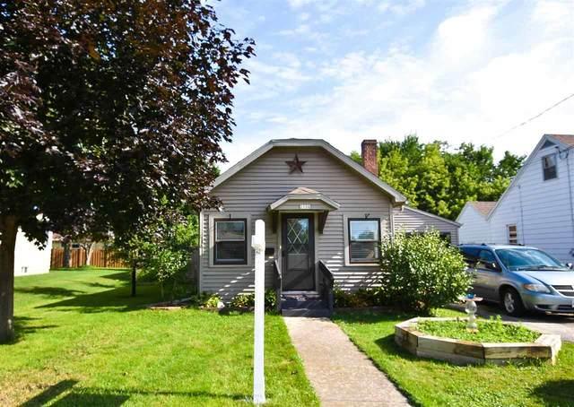1106 Adams Avenue, Oshkosh, WI 54902 (#50245095) :: Town & Country Real Estate
