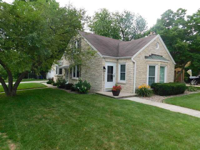 2503 Beaumont Street, Green Bay, WI 54301 (#50245107) :: Symes Realty, LLC
