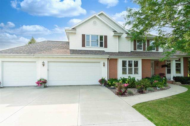 798 Estate Drive, Fond Du Lac, WI 54935 (#50245122) :: Ben Bartolazzi Real Estate Inc