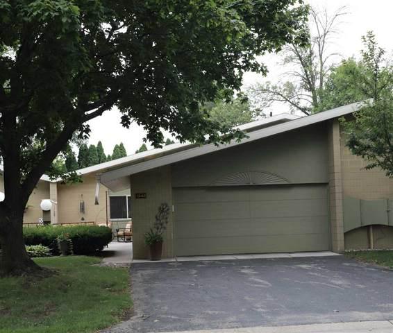 1242 W Nicolet Circle, Appleton, WI 54914 (#50245126) :: Carolyn Stark Real Estate Team