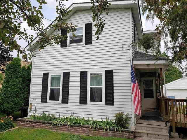 748 W 6TH Avenue, Oshkosh, WI 54902 (#50245165) :: Town & Country Real Estate