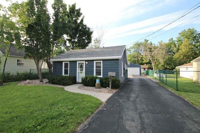 516 W 19TH Avenue, Oshkosh, WI 54902 (#50245189) :: Town & Country Real Estate