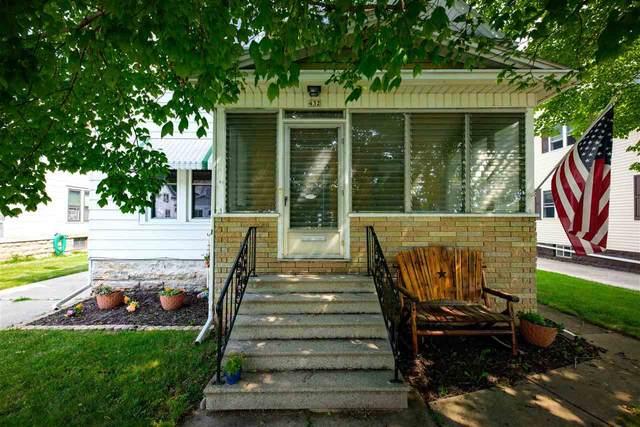 432 W 15TH Avenue, Oshkosh, WI 54902 (#50245222) :: Town & Country Real Estate