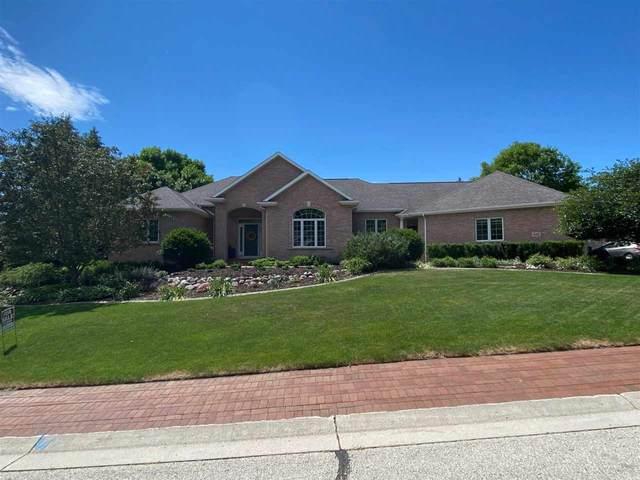 935 Deerwood Court, Oneida, WI 54155 (#50245294) :: Ben Bartolazzi Real Estate Inc