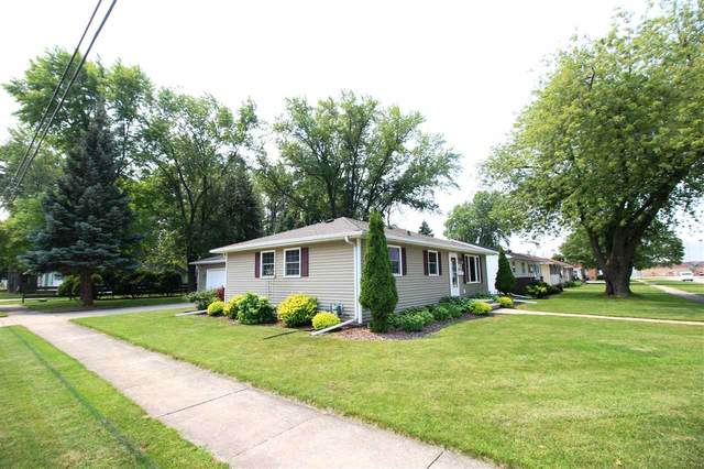 202 Langley Boulevard, Neenah, WI 54956 (#50245302) :: Carolyn Stark Real Estate Team