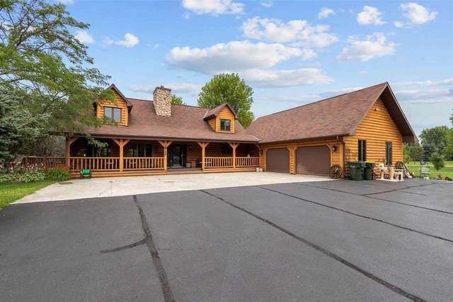 3240 W Shady Lane, Neenah, WI 54956 (#50245307) :: Carolyn Stark Real Estate Team