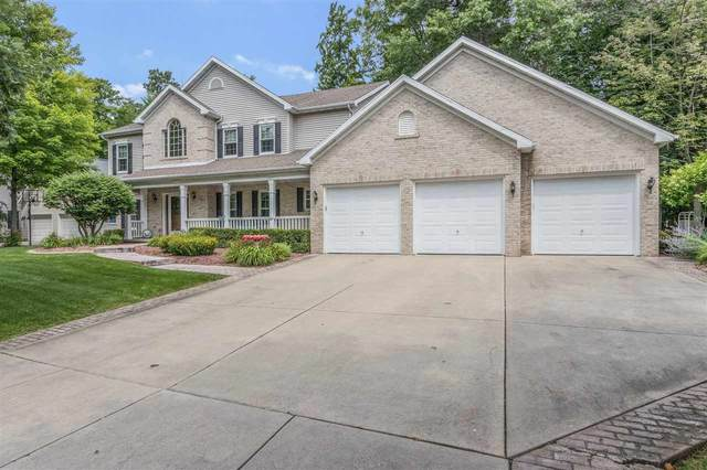 2834 Ogdan Woods Drive, Green Bay, WI 54313 (#50245385) :: Todd Wiese Homeselling System, Inc.