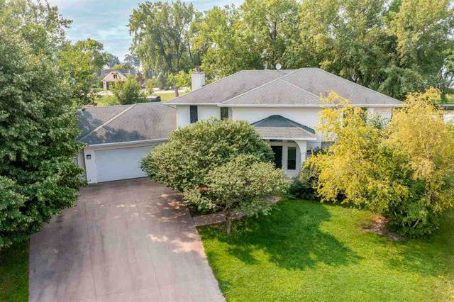 5807 East Island Drive, Butte Des Morts, WI 54927 (#50245425) :: Symes Realty, LLC