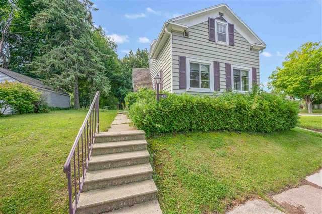 420 Vliet Street, Kewaunee, WI 54216 (#50245972) :: Todd Wiese Homeselling System, Inc.