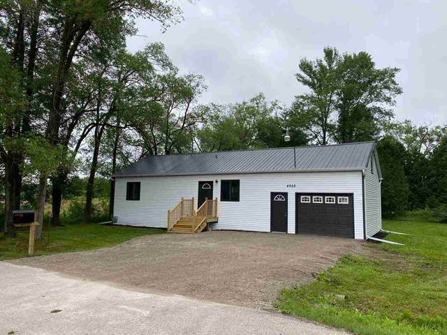 4968 Ball Park Road, Little Suamico, WI 54141 (#50246067) :: Symes Realty, LLC