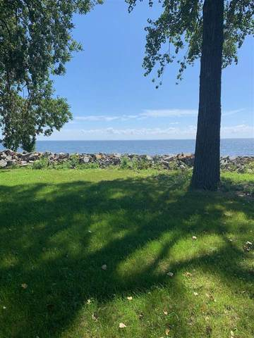 2040 Cottage Road, Little Suamico, WI 54141 (#50246087) :: Symes Realty, LLC