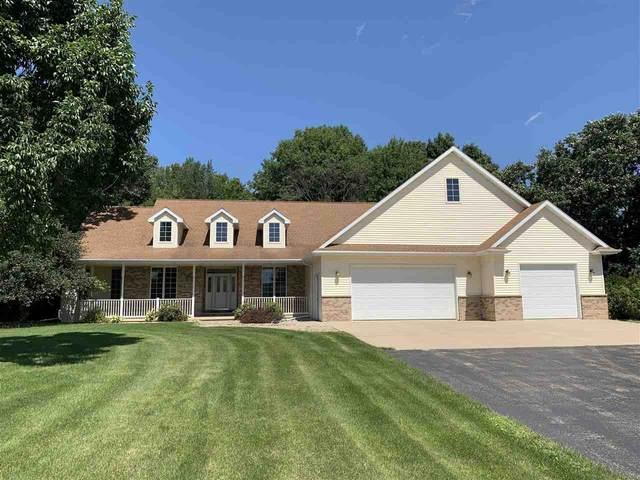 W3850 Lone Oak Drive, Appleton, WI 54913 (#50246101) :: Town & Country Real Estate