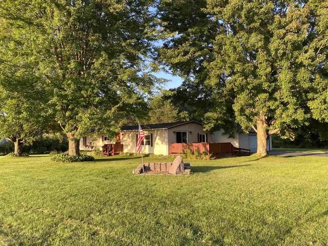 N5026 Hample Road, Black Creek, WI 54106 (#50246288) :: Symes Realty, LLC