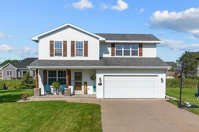 N8927 Willow Lane, Menasha, WI 54952 (#50246372) :: Todd Wiese Homeselling System, Inc.