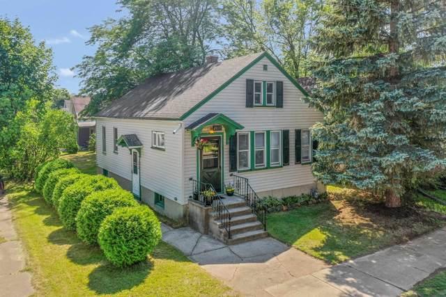 2017 Lewis Street, Marinette, WI 54143 (#50246436) :: Symes Realty, LLC