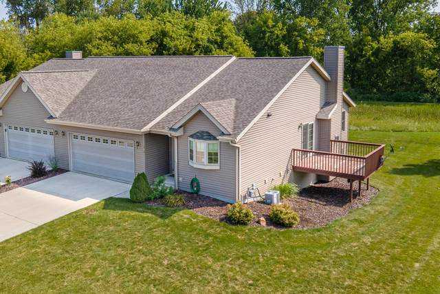 1510 Lisa Lane, New Holstein, WI 53061 (#50246800) :: Symes Realty, LLC