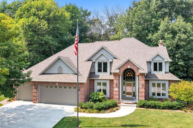 2452 Wildwood Drive, Green Bay, WI 54302 (#50246876) :: Todd Wiese Homeselling System, Inc.