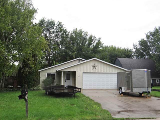 527 Grant Avenue, Omro, WI 54963 (#50246938) :: Symes Realty, LLC