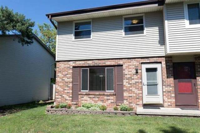 872 Castle Road, Fond Du Lac, WI 54935 (#50247116) :: Todd Wiese Homeselling System, Inc.