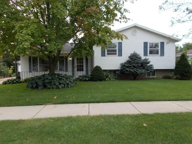 524 N White Oak Drive, Appleton, WI 54915 (#50247179) :: Town & Country Real Estate