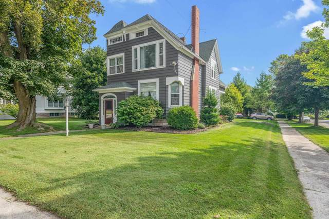 922 Milwaukee Street, Kewaunee, WI 54216 (#50247238) :: Todd Wiese Homeselling System, Inc.