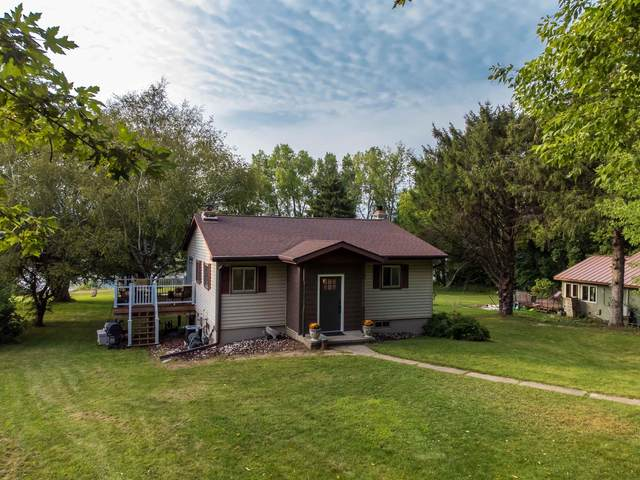 N3111 Sleepy Hollow Drive, Fall River, WI 53932 (#50247311) :: Todd Wiese Homeselling System, Inc.