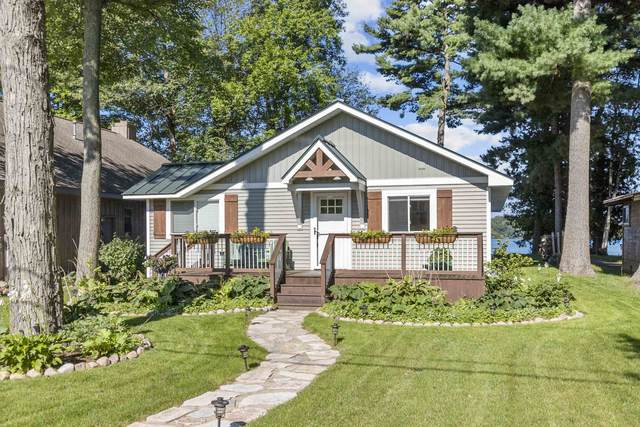 N2669 Rustic Drive, Clintonville, WI 54929 (#50247322) :: Symes Realty, LLC