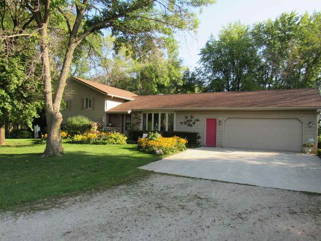N2018 Lakeshore Drive, Chilton, WI 53014 (#50247456) :: Town & Country Real Estate