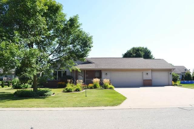 W5561 Mile Long Drive, Appleton, WI 54915 (#50247463) :: Ben Bartolazzi Real Estate Inc