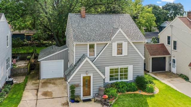 720 Derby Lane, Green Bay, WI 54301 (#50247569) :: Todd Wiese Homeselling System, Inc.
