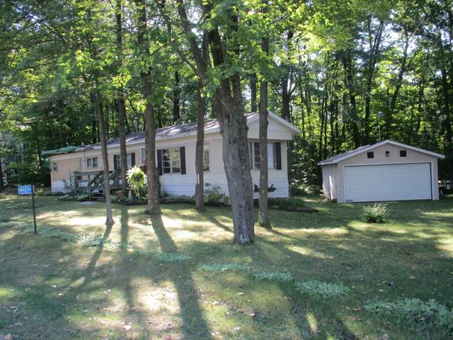 W4859 Oak Court Drive, Shawano, WI 54166 (#50247692) :: Symes Realty, LLC