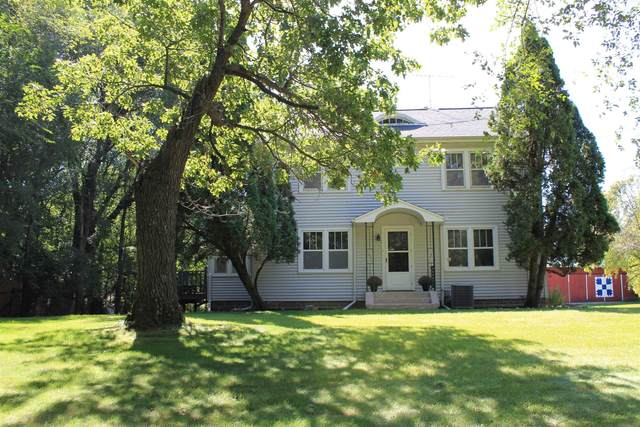 5051 Grandview Road, Larsen, WI 54947 (#50247728) :: Symes Realty, LLC