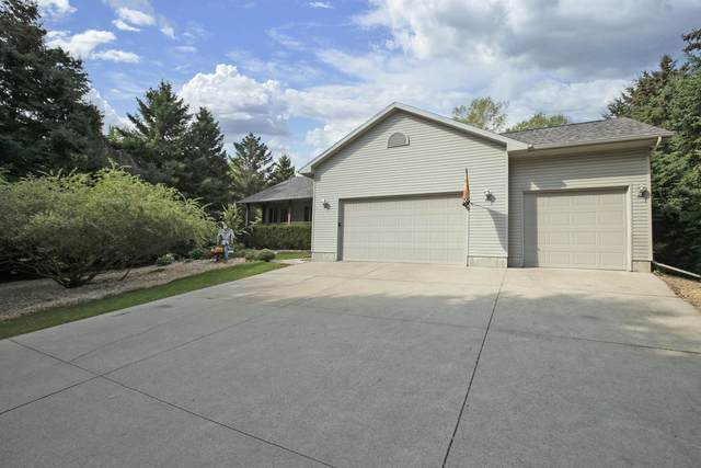 8431 Samuel Drive, Larsen, WI 54947 (#50248025) :: Todd Wiese Homeselling System, Inc.