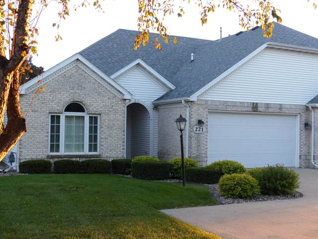 221 E Bell Street, Neenah, WI 54956 (#50248113) :: Symes Realty, LLC