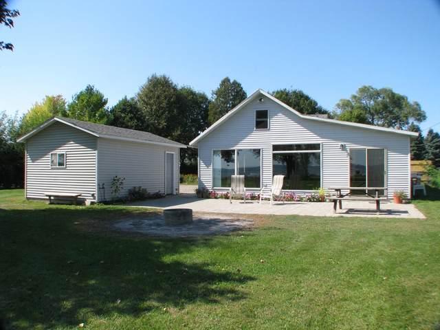 N8943 Lakeshore Drive, Van Dyne, WI 54979 (#50248145) :: Symes Realty, LLC