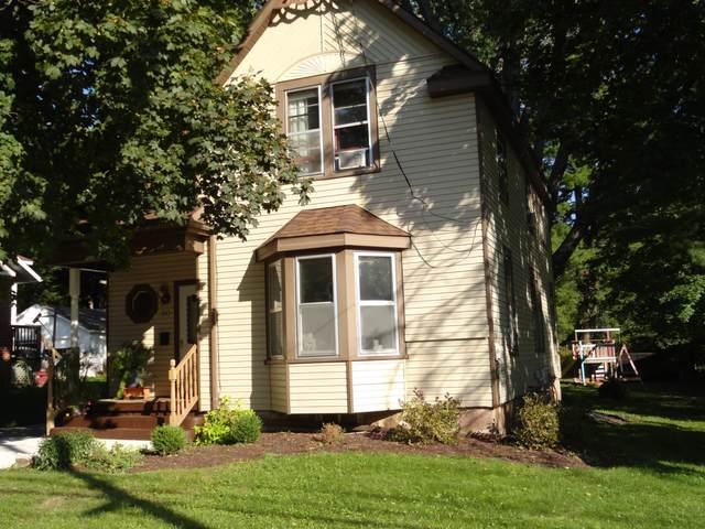 80 N Clinton Avenue, Clintonville, WI 54929 (#50248163) :: Carolyn Stark Real Estate Team