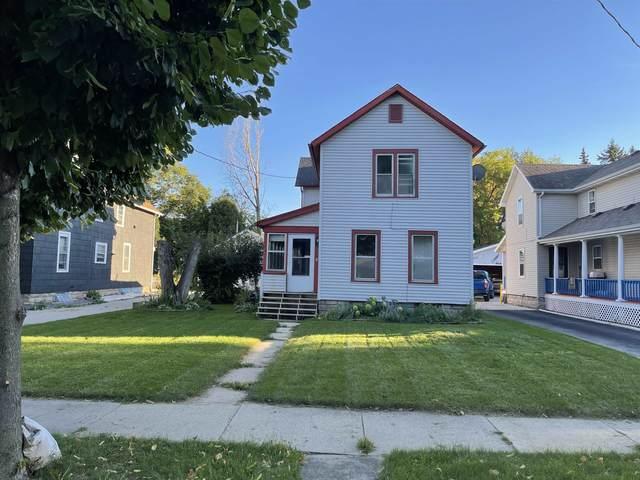 1017 W 8TH Street, Appleton, WI 54914 (#50248167) :: Symes Realty, LLC