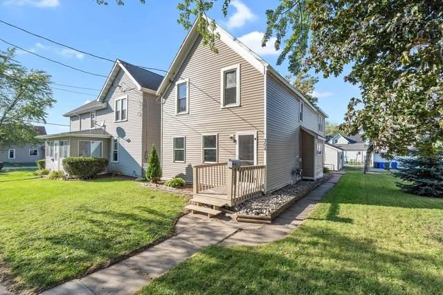 304 E 8TH Street, Kaukauna, WI 54130 (#50248200) :: Todd Wiese Homeselling System, Inc.