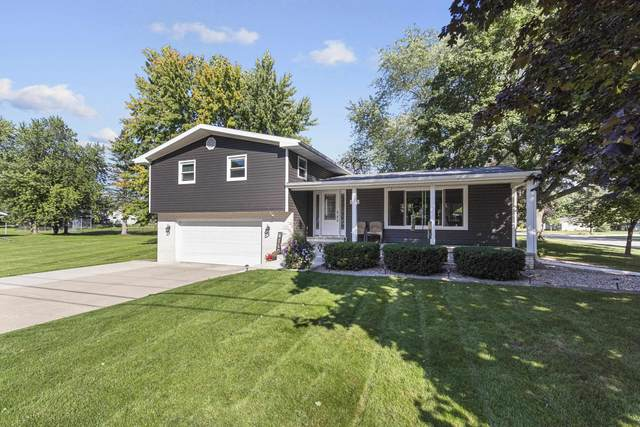 208 S Maple Street, Black Creek, WI 54106 (#50248201) :: Todd Wiese Homeselling System, Inc.