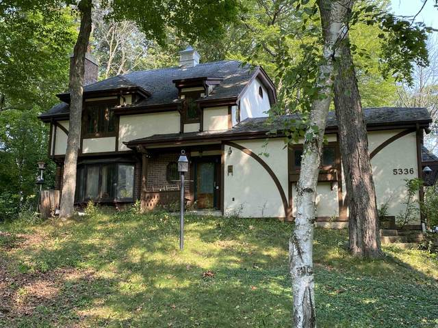 5336 Paradise Lane, Slinger, WI 53086 (#50248207) :: Todd Wiese Homeselling System, Inc.